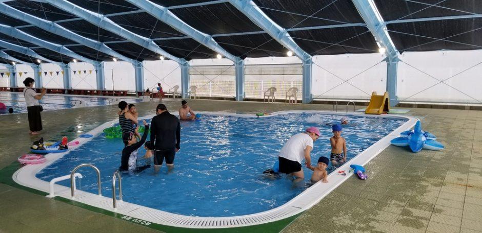 夏のおでかけどこへ行く?奄美市のおすすめプール3施設をご紹介! 写真